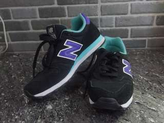 Preloved Original New Balance 303 Shoes