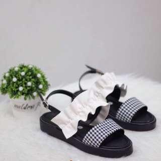Maudy sandal size 39