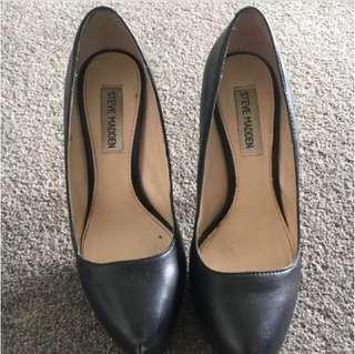Steve Madden black high heels   Size  7 1/2