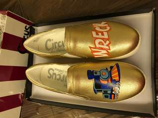 Brand new authentic Sam Eldenan gold shoes