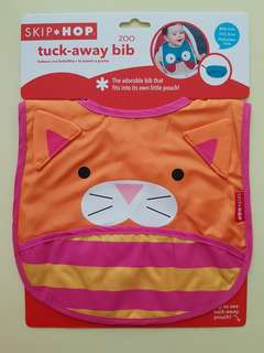 New Skip Hop Zoo Cat Tuckaway Bib