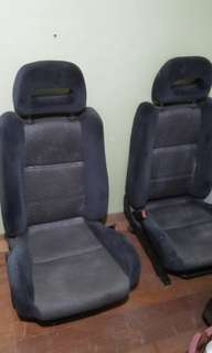Nissan Pullsar (seats front and rear)