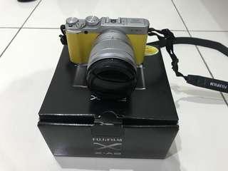 Kamera Mirrorless Fujifilm XA-2 Fullset