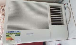Air conditioner......90% new just used 3 Months.
