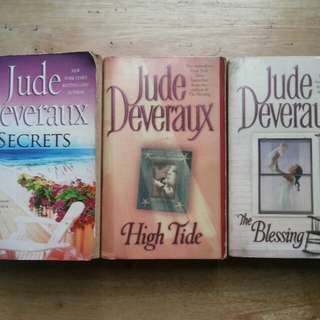 Jude Deveraux books bundle (all for P200)