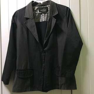 🚚 泰國Sofia 黑色布面拼接休閒西裝外套-女生版型