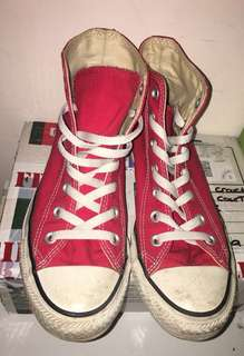 Converse High Tops - Red