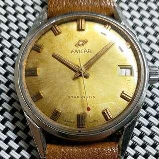 瑞士製造 Enicar 英納格古董錶,60年代產物,原裝面,無番寫,紅字日曆,17石上弦機芯,已抹油,行走精神,塑膠上蓋,大直徑36mm不連霸的,淨錶港幣$980,有意請pm