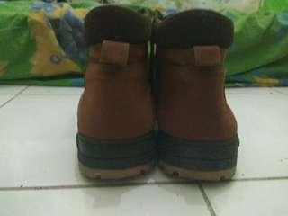 Di jual sepatu boots ukuran 40 - 41 bisa nego