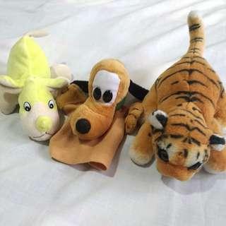 2 stuffed toys ( yellow + dog tiger)
