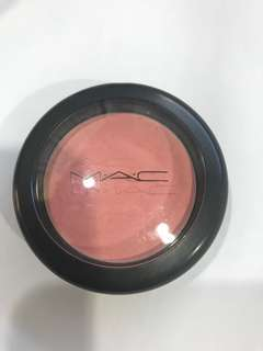 Mac pro longwear blush on. Shade: Rosy Outlook