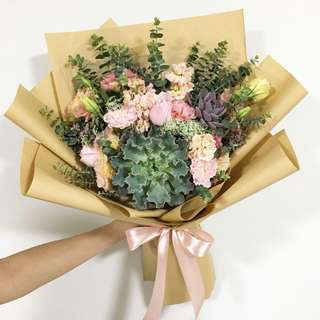 Succulent with Pastel Pink Bouquet / Anniversary Bouquet / Birthday Flowers