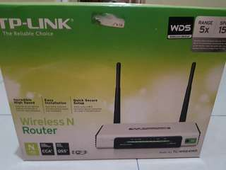 TP LINK Wireless N Router TL WR841ND 300MBPS