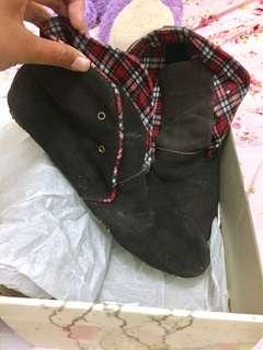 Sepatu garucci size41 bisa untuk cewek/cowok