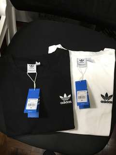 Adidas Originals embroidered mini logo tee實物圖