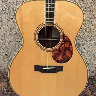 Breedlove Revival Tenor Guitar