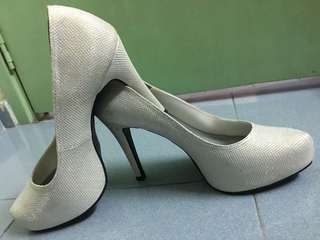 Wedding bride blink shoes size 8 mint condition