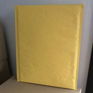 Bubble Mailers/Envelope - Bigger than A4 size