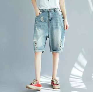 L-2XL Strectable with Ripped Hole Design Mid Length Boyfriend Jeans