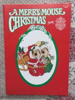 A Merry-Mouse Christmas Cross Stitch Book