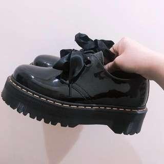 Dr.Martens Holly緞帶鞋 40號