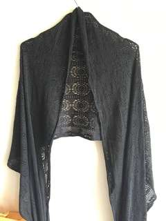 H&M 通花黑長披巾/頸巾Long Black lace Scarf/wrap