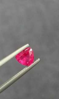 粉紅尖晶石