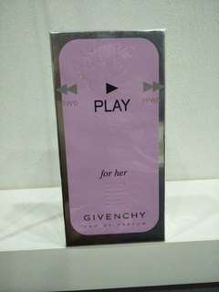 GiVENCHY Play For Her Edp spray 5.ml