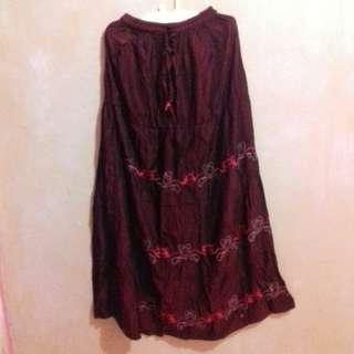 Rok Merah Marun