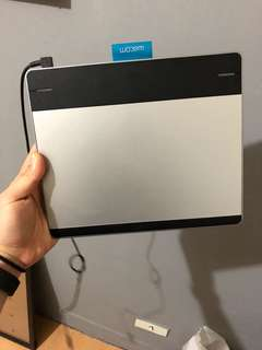 Wacom intuos pen & touch small(不含筆)