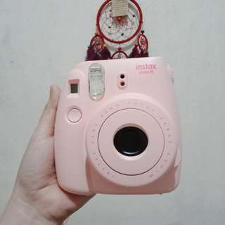 Fujifilm instax mini 8 (FREE photo frame & gift card)