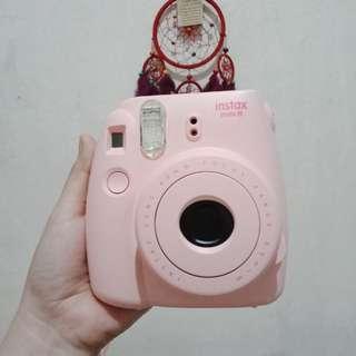 Fujifilm instax mini 8 (FREE photo frame & gift card)