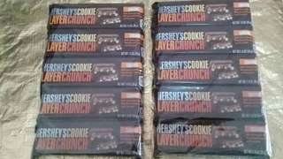 hershey cookie layer crunch 5pcs in a pack.