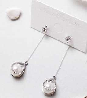 全新 銀色白珠高貴氣質耳環 earrings