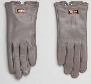 Ted Baker - leather gloves with bow detail