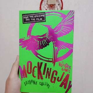 Mockingjay by suzanne collins (english)