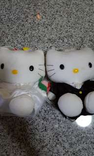 Clearance Sale Hello Kitty 1 pair ($5 only)
