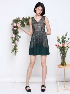 The Willow Label Tricia Lace Pleat Dress in Forest (Size M)