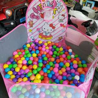 Hello kitty basketball pool with free 8 balls