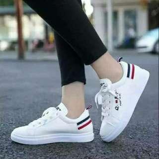 Sepatu cewek wanita slip on