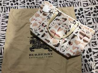 100% Authentic BURBERRY