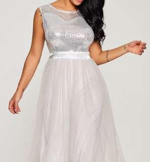 Sleeveless grey maxi dress