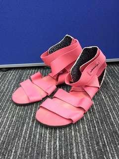 Adidas Originals 桃紅色 羅馬款 搭帶 涼鞋