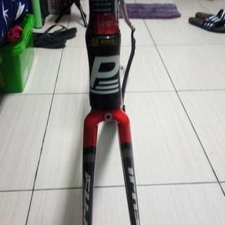 Size:S road bike frame fuji carbon fork with seetpost and stem