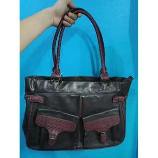 Avon vintage shoulder bag