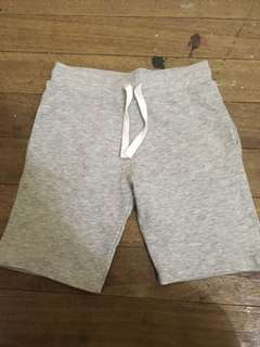 H&M Basic boys cotton shorts (5-6y)