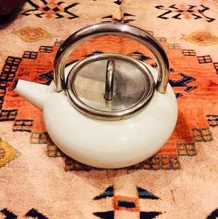 🚚 德國ASTA 鑄鐵琺瑯熱水壺