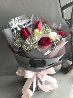 6朵红米黄🌹玫瑰