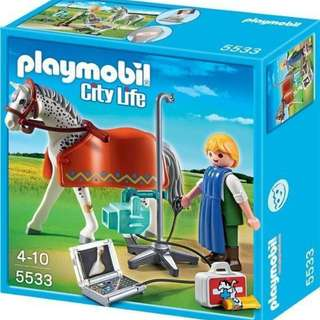 Playmobil 5533: Horse with X-ray Technician *Brand New in Box!*