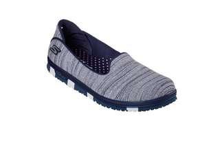 Authentic SKECHERS GO FLEX Walk (Navy) size 7.5US